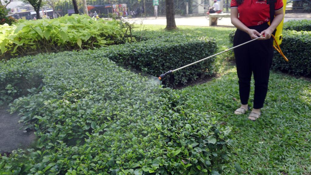 Béc xịt đơn bình xịt TAKYO TK 20 xịt cây xanh
